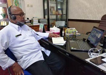 Kepala Kemenag Kabupaten Pandeglang memimpin Radintap dengan Kepala KUA secara online.